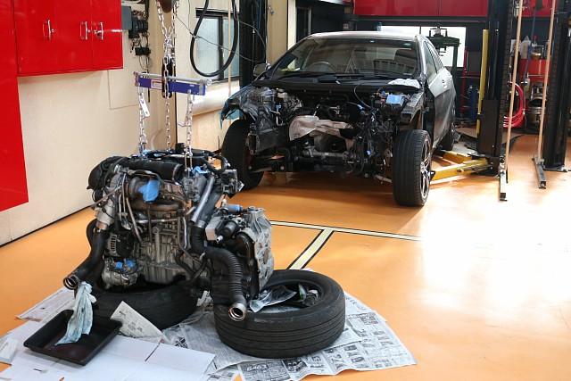 メルセデス・ベンツ Aクラス A250 シュポルトエンジン脱着作業