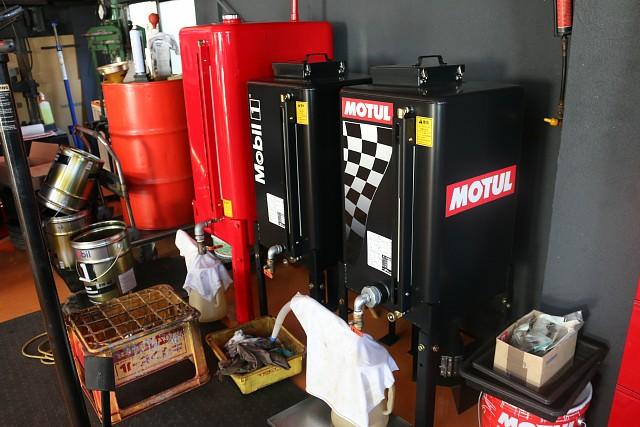 エンジンオイル全車種対応可能でございます。