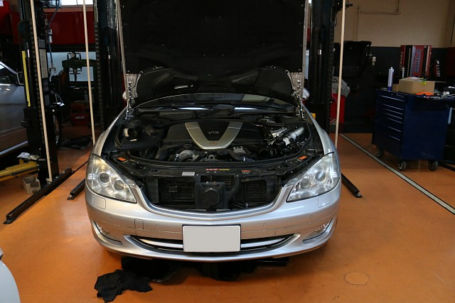 メルセデス・ベンツ S600 (W221) ABCオイル漏れの修理
