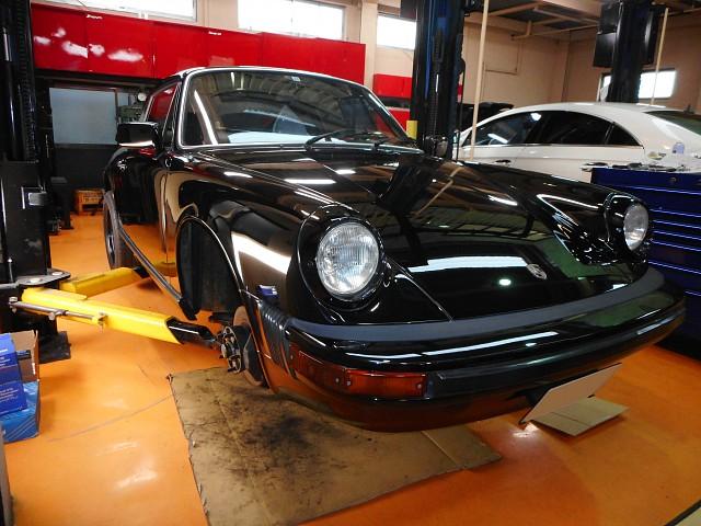 ポルシェ911SC 車検とドアロックの修理 – 930型・964型はお任せ下さい!
