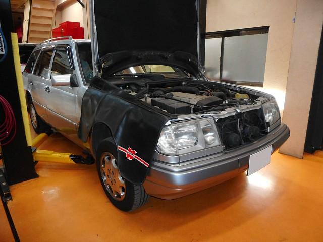 メルセデス・ベンツ Eクラスワゴン(W124)ミッションOHで入庫