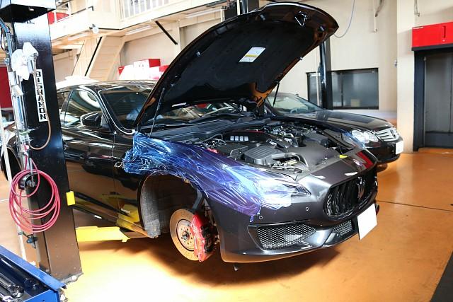 新型マセラティ クアトロポルテGTS 車高調キットとパワークラフト製マフラー交換