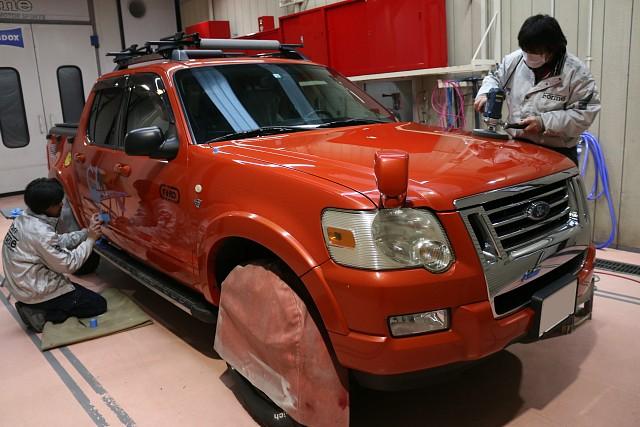 フォード エクスプローラースポーツトラックの車検と外装磨き