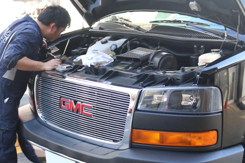 GMCサバナ(GMC SAVANA)車検で入庫いたしました。