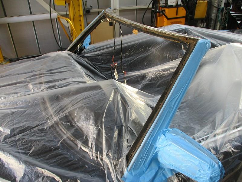 メルセデス・ベンツ 500SL(R107)の雨漏れ作業